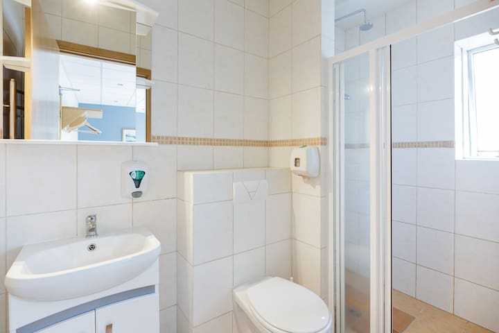 Double Room - Private bathroom.