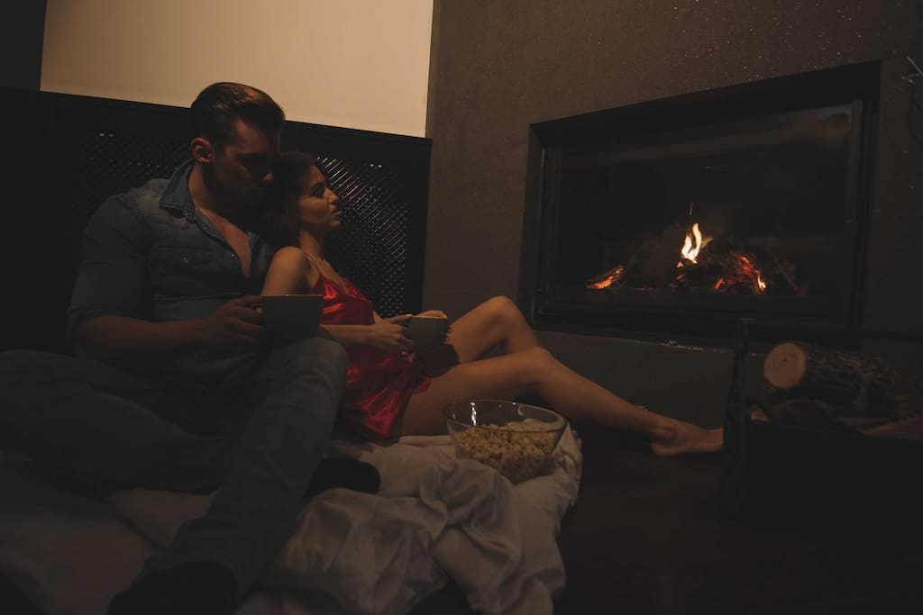 Enjoy the romantic Fireplace