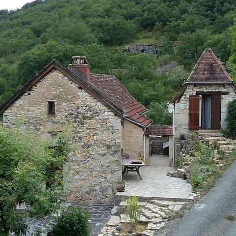 Ancienne bergerie totalement rénovée vallée du Lot