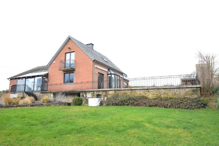 Luxurious Villa in Durbuy with Swimming Pool