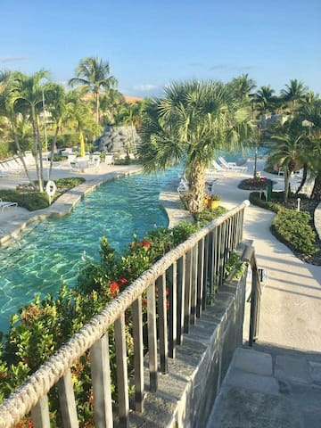 Beach themed condo with huge, tropical lazy river