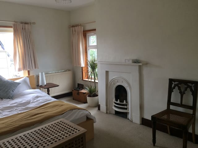 Peaceful private room near Hay on Wye - Glasbury - House