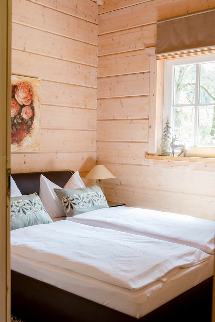 Jagdhaus zur Bischofsmühle (Helmbrechts), Jagdhaus (110 qm) mit Sauna und Whirlpool