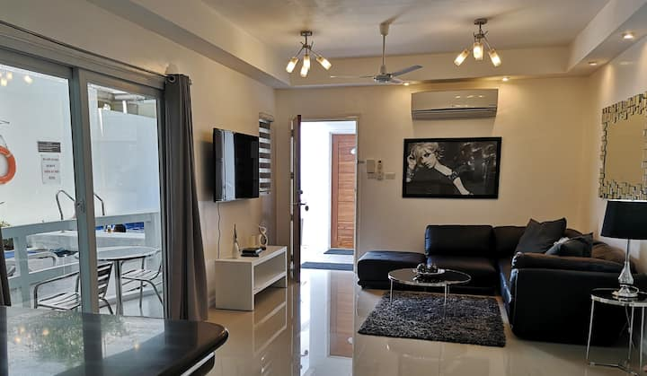 101 sqm two bedroom suite E in Ambassador Suites