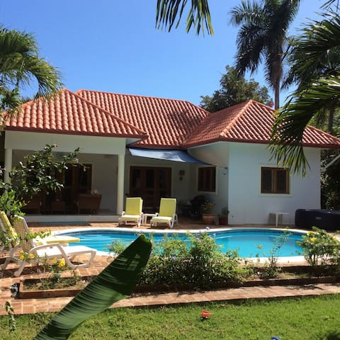 Beautiful villa with private pool and hot tub - DO - Villa