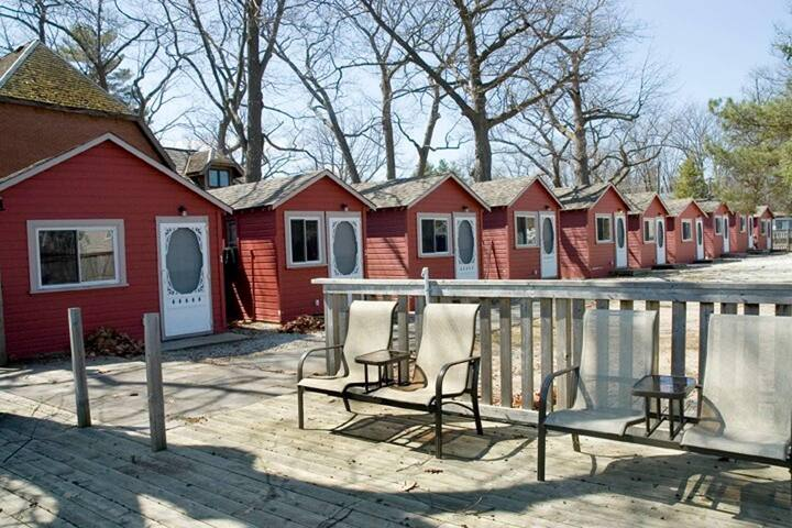 Dock Life Cottage 2 - Riverside, 1 Bedroom, Wasaga