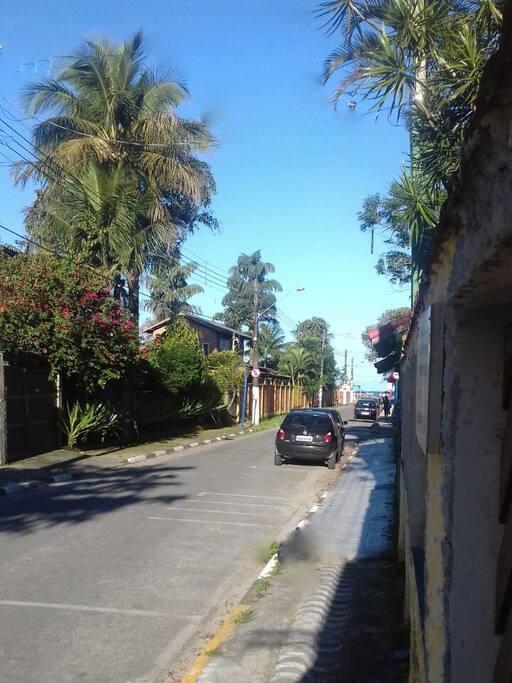 Na Rua da Praia, que podemos avistar do portão