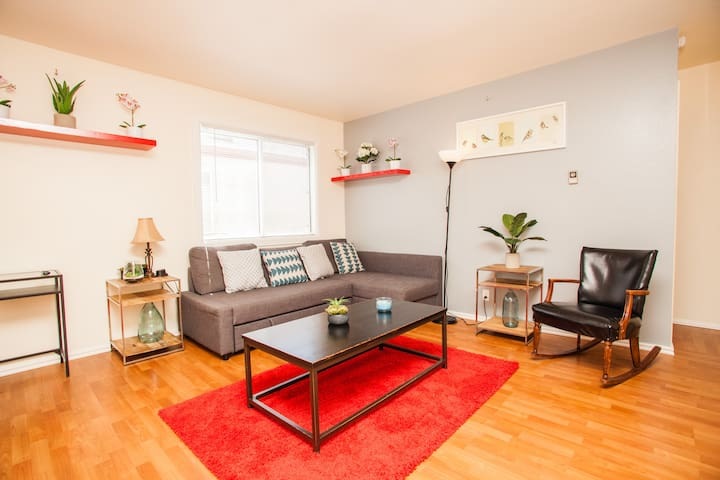 Stylish 2br Apt w/ Parking. Laundry. Telework WIFI