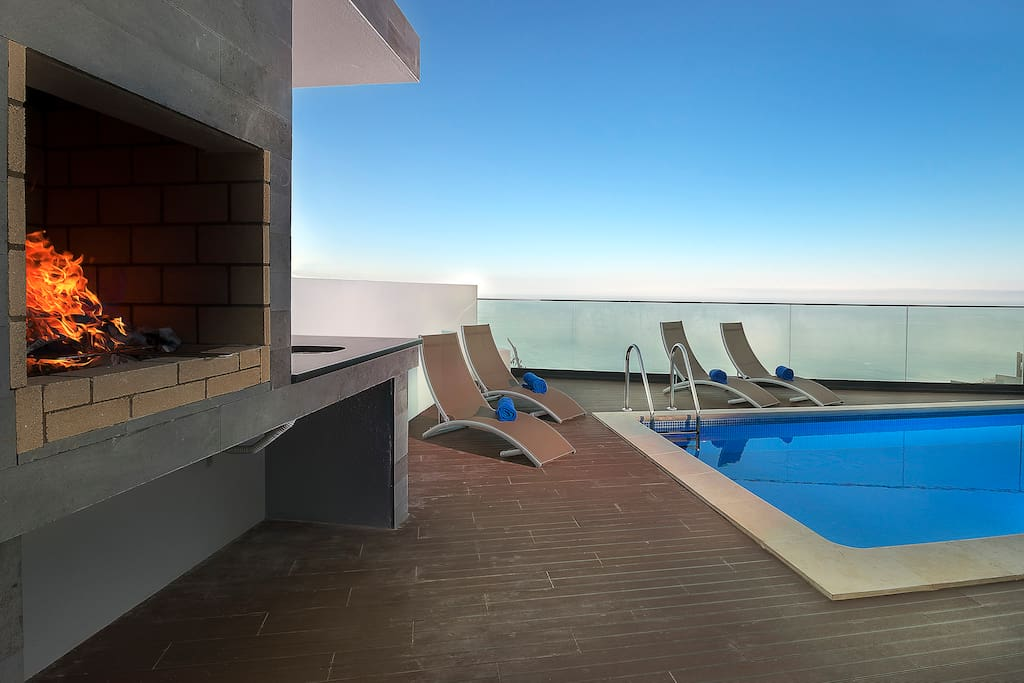Swimming Pool / Sea View / Barbecue
