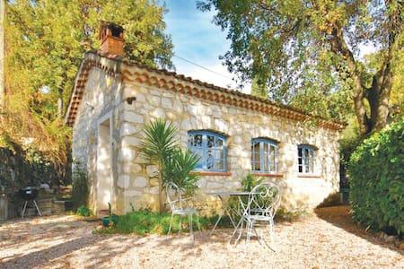 1 Bedroom Home in La Gaude - La Gaude