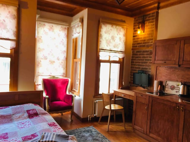 Authentic Turkish Home(Studio Apartment)