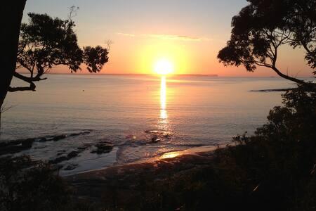 Jervis Bay, Beach & Bush - Vincentia