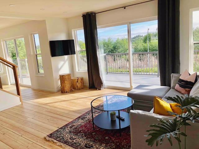 Port Hardy Penthouse Suite with Ocean View