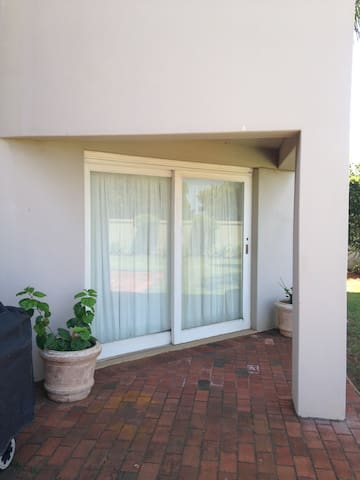 Peaceful, Private Suite with a view - Durban North - Huis