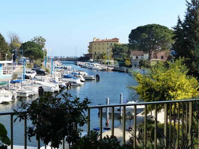 Appartement bord de mer vue exceptionnelle - Mandelieu-la-Napoule - Wohnung