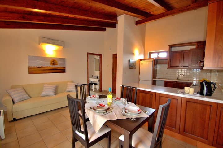Apt in Rethymno Old Town,Near the Beach w Terrace