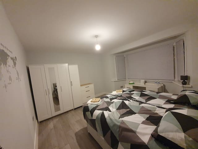 New renovated double bedroom + modern shower room