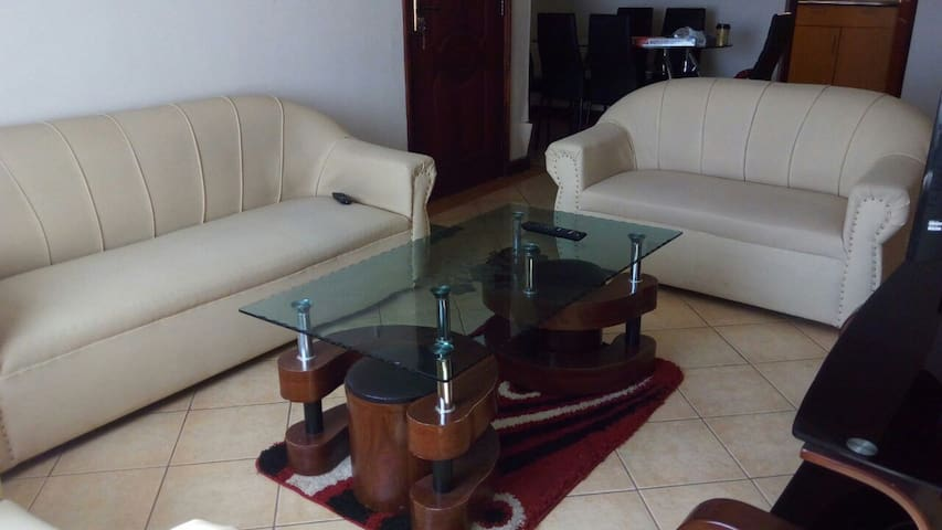 Lovely 2 Bedroom Apartment in South B , Nairobi - Nairobi - Daire