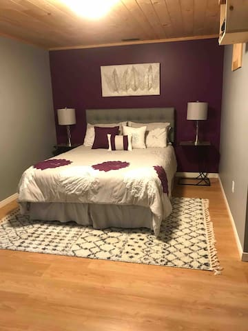 First bedroom area, Queen Size bed