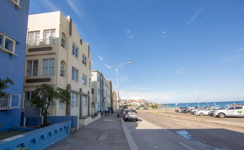 Beachy and Spacious Two Bedroom Apartment