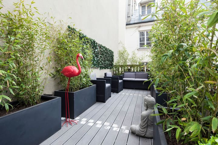 Amazing Terrace in the center of Paris