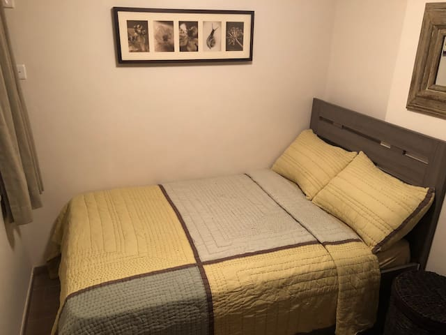 Cozy Room in Wan Chai