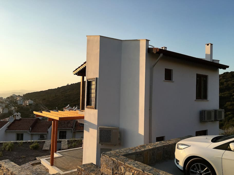 Take advantage of the car park or catch a bus just outside the community to nearby Bodrum