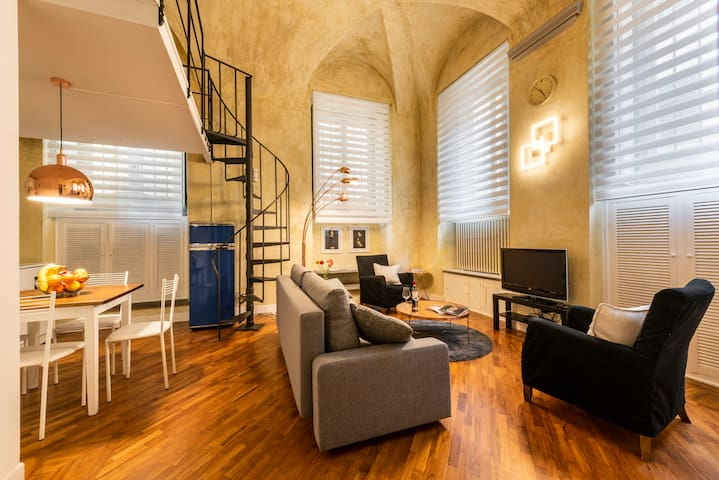 Cool Loft Deluxe by Dante House, Top Location