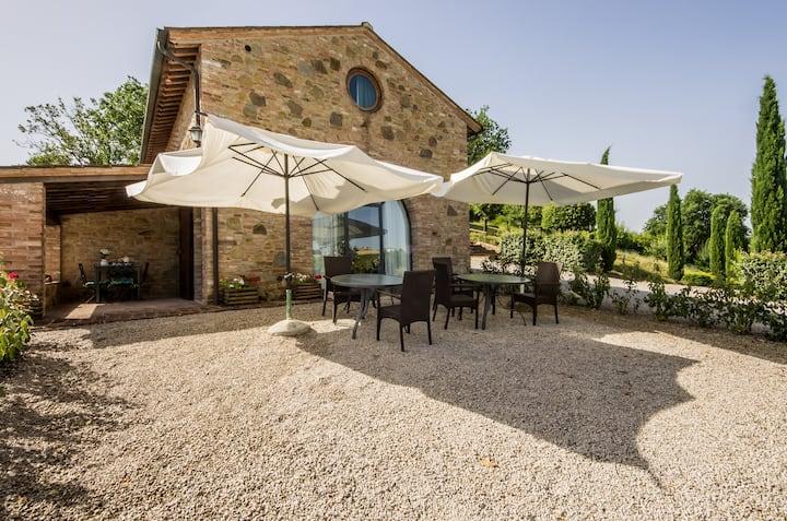 """Villa in Tuscany countryside """"Caselsa"""" il leccio"""