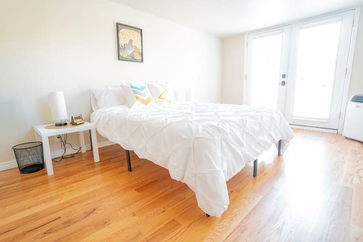 Beautiful 2BR Park Hill Gem - Close to Everything!