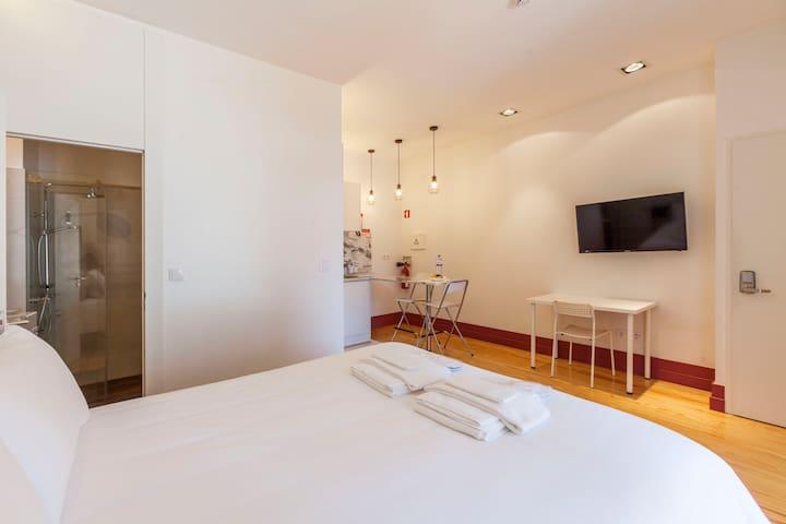 crowntown apartment 1b