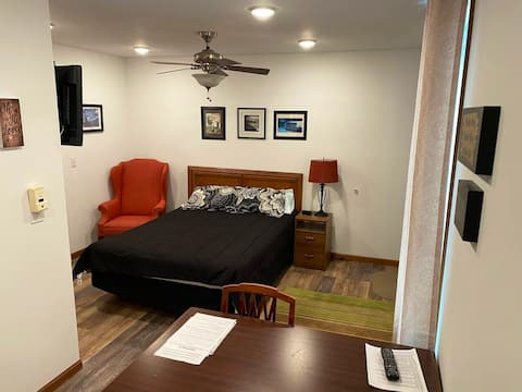 Private Guest Suite with private entrance and bath