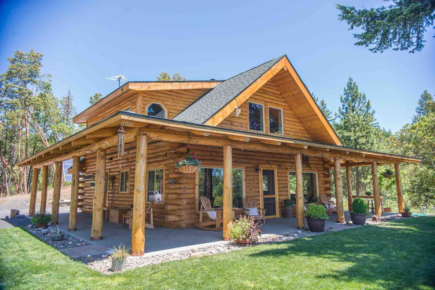 Obenchain Cabin ,   These photos were taken by,  Amandamae images, Bend Oregon