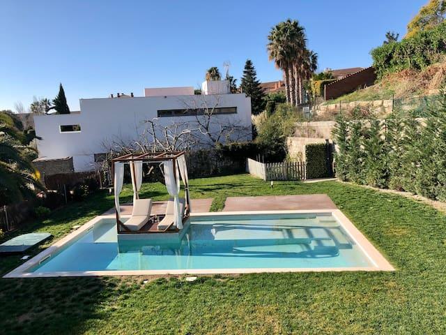 Barcelona Villa Luxury & SpA