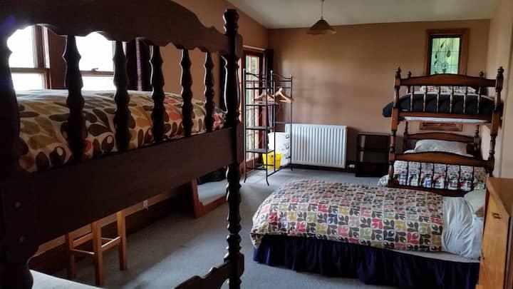 Alpenhorn - BED 4 in 5 bed dorm (Elie de Beaumont)