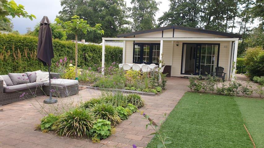Sfeervolle chalet met mooie tuin in Voorthuizen