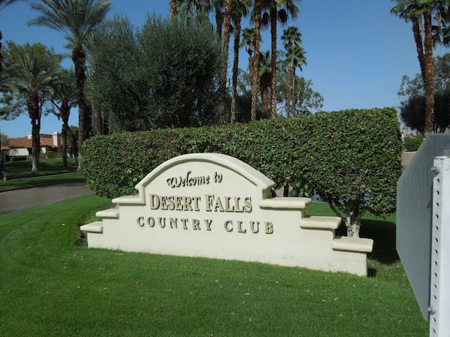 Welcome to Desert Falls from the Country Club
