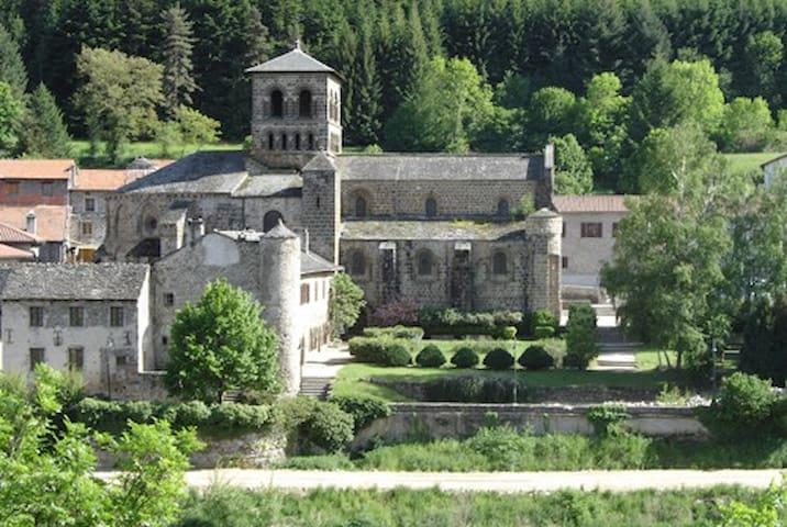 Chambre dans agréable Maison de Bourg - Chamalières-sur-Loire - House