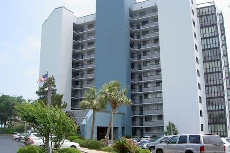 3 BR Condo one block to beach - Myrtle Beach