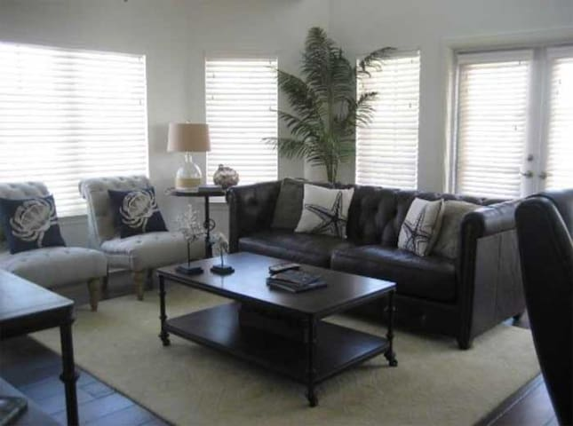 The living area is large enough to comfort friends and family.