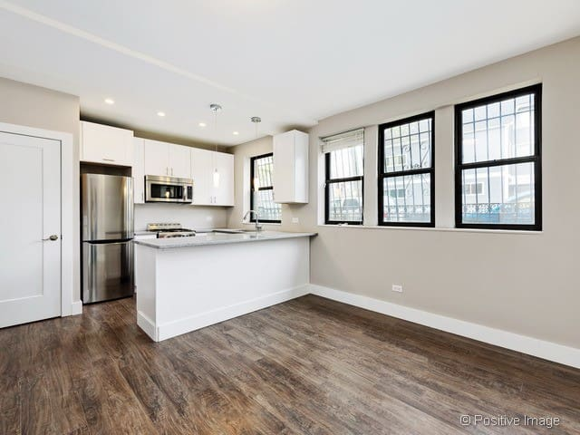 Comfy Bedroom in Logan Square. Close to 606 Trail! - Chicago - Apto. en complejo residencial