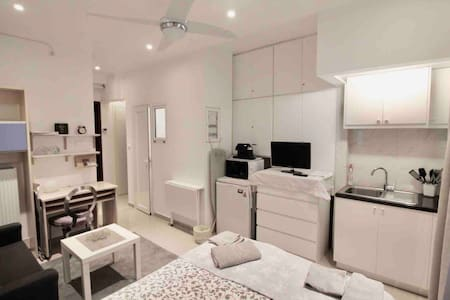 Small independent studio in Glyfada