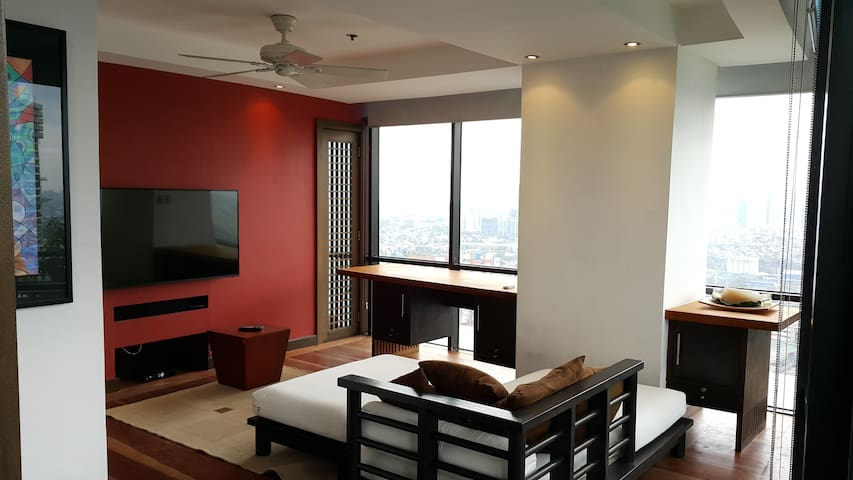 Beautiful 2-bed Serviced Apartment! NEW BATHROOMS! - Pasig City - Leilighet