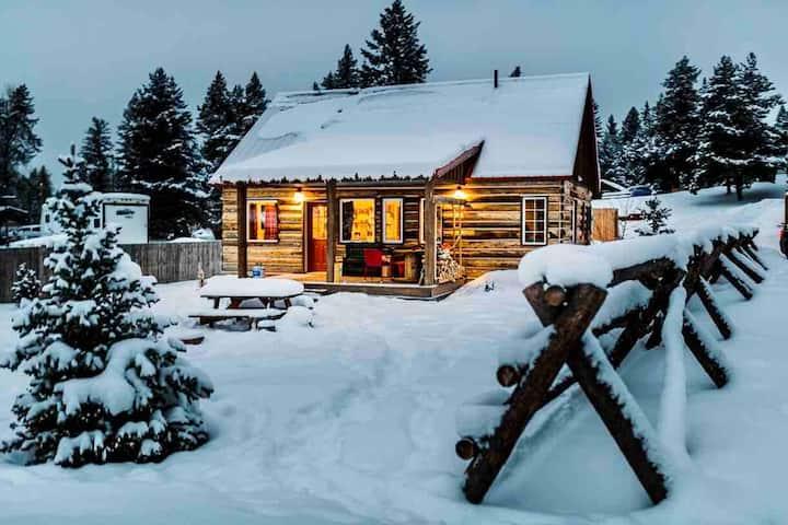 Carter Cabin - 9 miles from Glacier Park