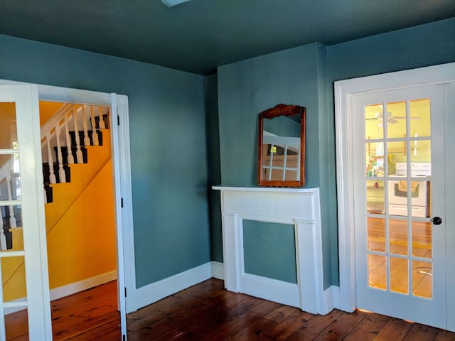 Charming House in Beacon: walk to everything