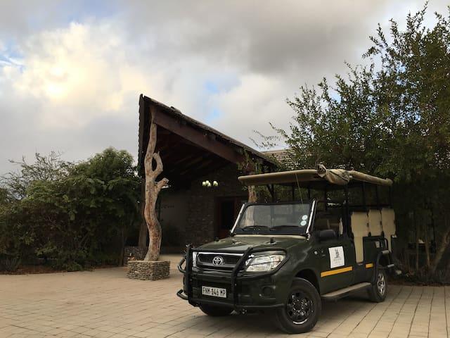 RoostersFoot Bush Lodge