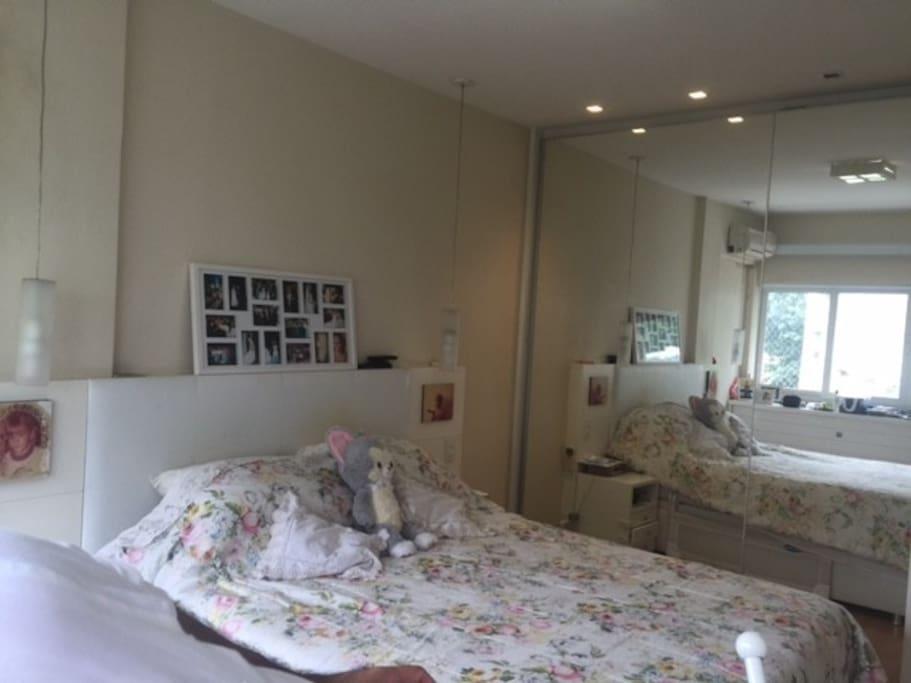 Quarto Casal/ Couple Room Vista para o Cristo/ Christ View