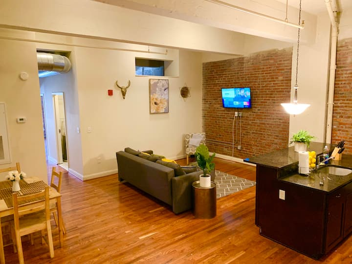 2 Bedroom Luxury Harbor Loft! Close to Everything!