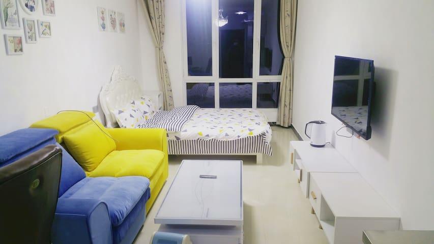 城西万达广场希希简约酒店式公寓