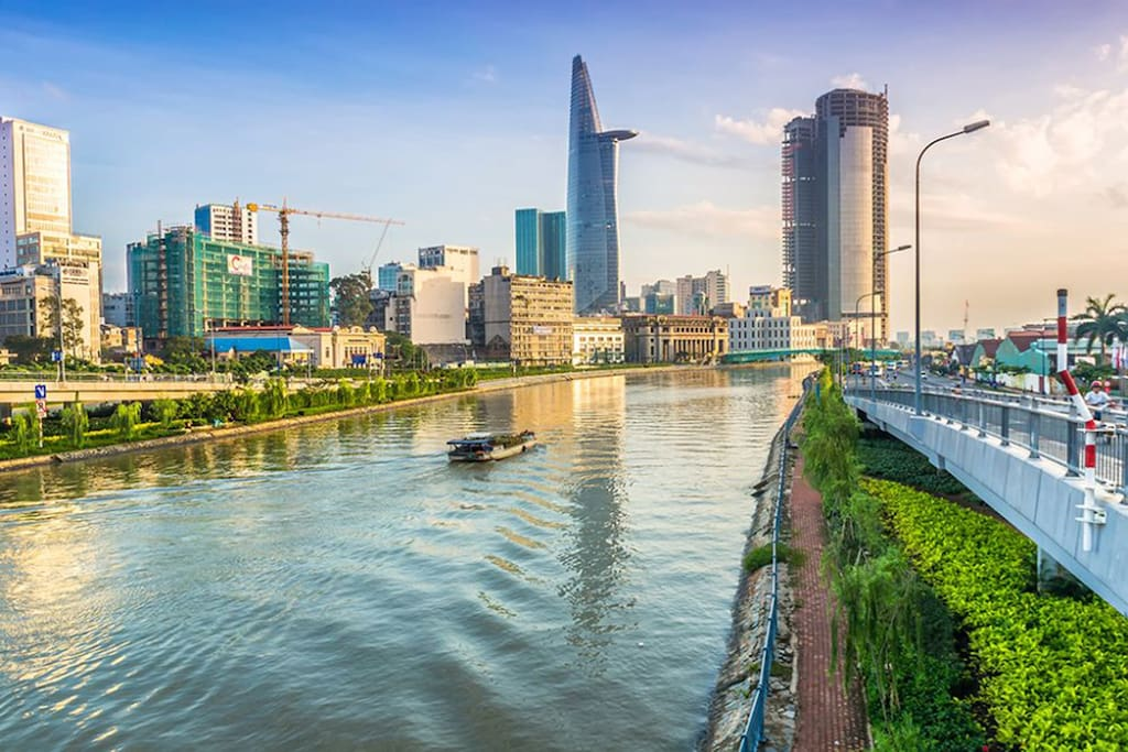 Nothing more enjoyable than breathing the fresh air of the early morning by Saigon river!